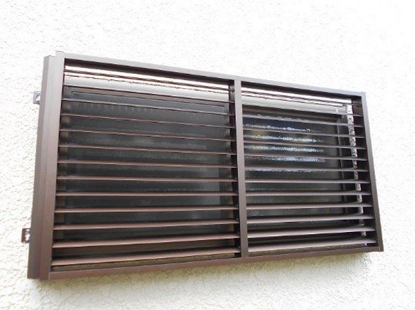 窓の目隠し・台風対策・防犯対策