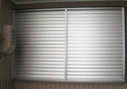 【 窓の目隠し 】 プライバシーをしっかり守り、防犯性能もUP !