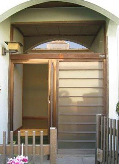 玄関ドアリフォーム【前】