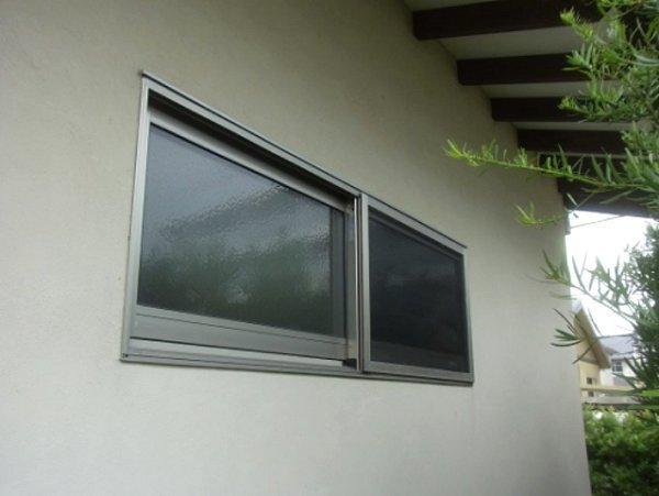 住まいの裏側防犯対策が無い窓