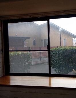 内窓の効果は冬だけ ? 夏のお部屋を涼しくするのにも大活躍します !