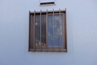 雨戸が取付けらない窓には ? 大型台風に備える窓の安全対策 !