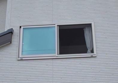 多機能ルーバー取付け前の窓