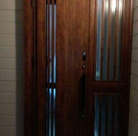 玄関のイメージが一新した玄関ドアリフォーム