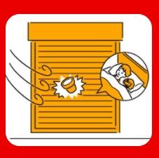 大型台風時にはシャッター・雨戸が飛来物から家を守ります