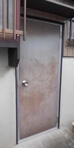 勝手口ドア交換リフォーム【前】